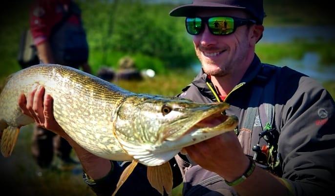 un brochet pêché pendant la formation BPJEPS pêche de loisirs